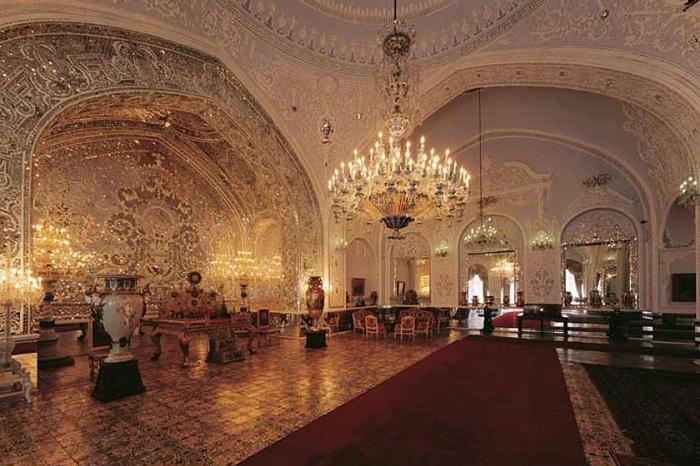 تالار سلام کاخ گلستان