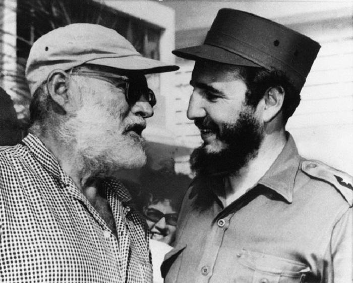 همینگوی و فیدل کاسترو رهبر کوبا