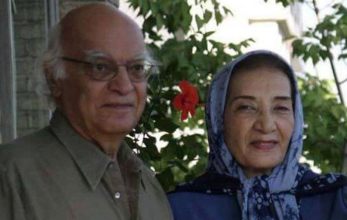 نجف دریابندری در کنار همسرش فهیمه راستکار