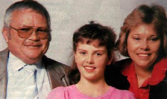 شارلیز ترون به همراه پدر و مادرش