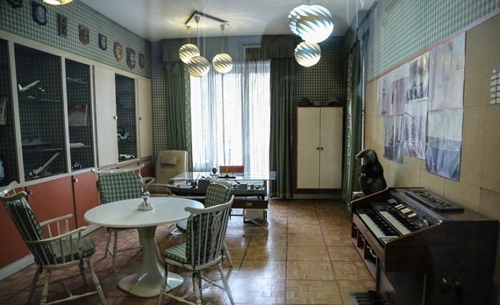 اتاق مطالعه علیرضا پهلوی در کاخ نیاوران