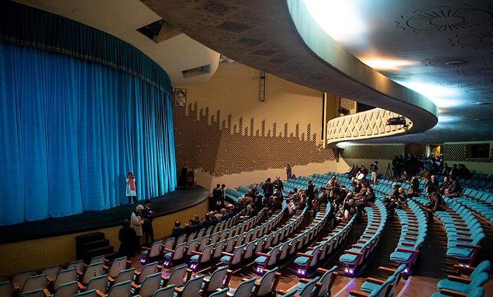 سالن اصلی تئاتر شهر