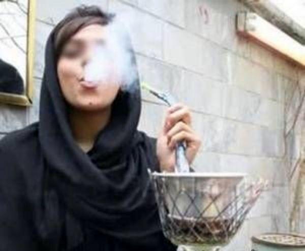 زنان و دخانیات، دلایل و زمینهها