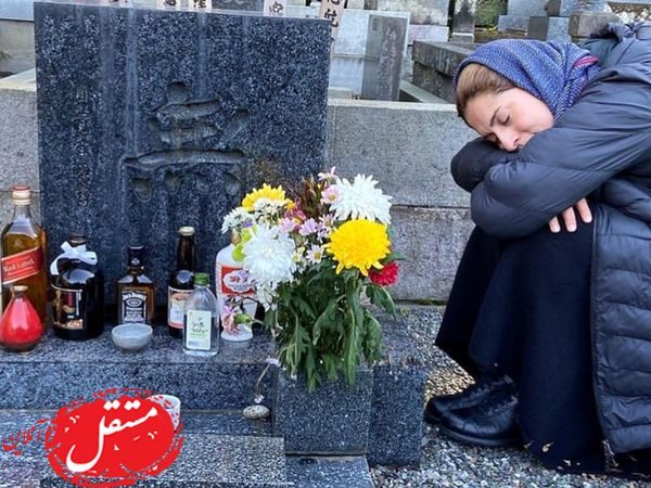 خانم بازیگر در قبرستان ژاپنی ها + عکس