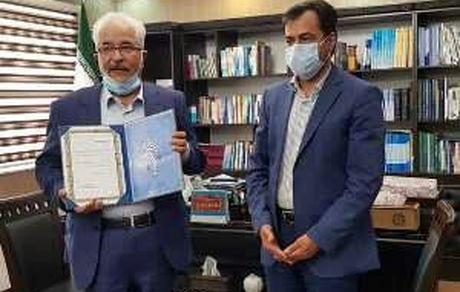 تقدیر از شرکت معدنی و صنعتی چادرملو بعنوان مؤدی مالیاتی نمونه استان یزد