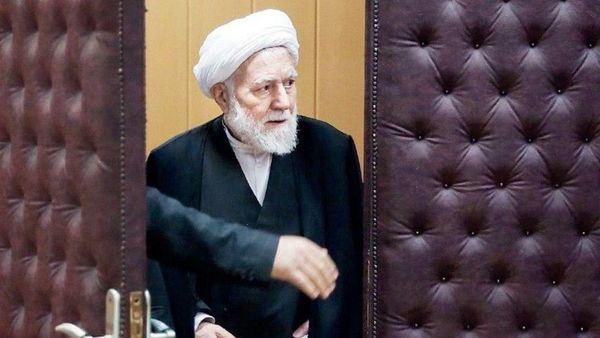 روحانی اگر نمیتوانست شعارهایش را پیاده کند باید همان ابتدا استعفا میداد