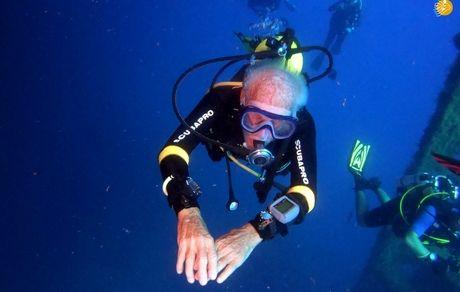 پیرترین غواص فعال در جهان + عکس