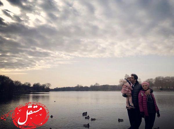 خانواده سه نفره مشهور لب آب + عکس