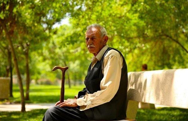 سن امید به زندگی در ایران، چند سال است؟