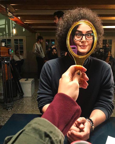 چهره الناز شاکر دوست با موهای مرد روبرویش + عکس