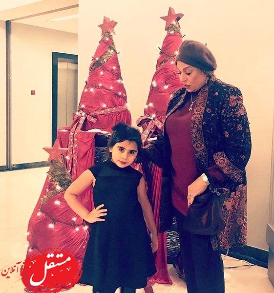 گوهر خیراندیش و نوه اش در شب کریسمس + عکس