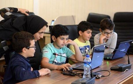 لزوم یادگیری برنامه نویسی برای دانش آموزان