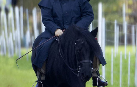 اسب سواری ملکه ۹۳ ساله انگلیس