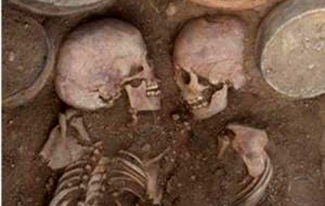 کشف قبر رومئو و ژولیت واقعیت دارد؟! + عکس