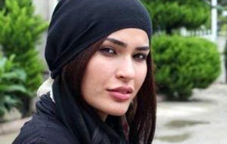 شیوا طاهری با شلوار جین