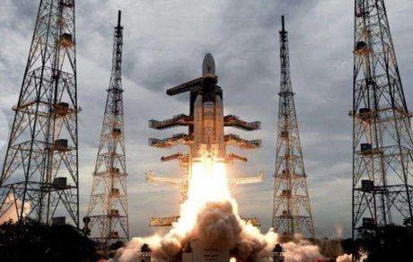 فضاپیمای هندی امروز راهی ماه شد