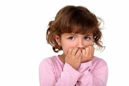 علت ناخ جویدن کودکان چیست ؟