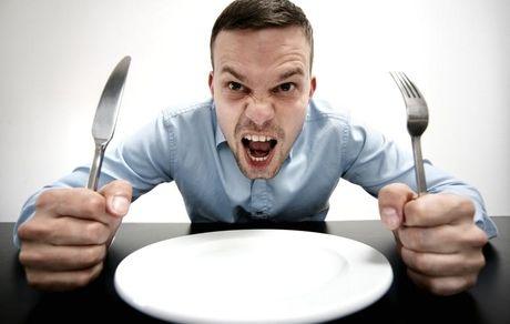 گرسنگی چه بلایی سرتان میآورد؟
