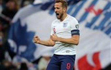 انگلیس با برتری پرگل صعود کرد