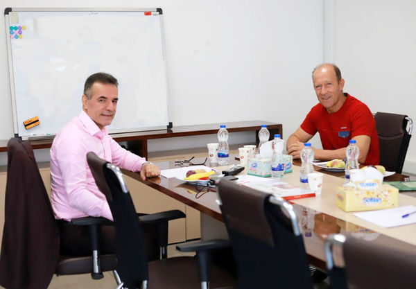 جلسه مهم انصاریفرد با کالدرون