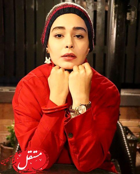 لباس خوشرنگ خانم بازیگر + عکس