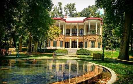 معرفی کاخ نیاوران؛ تلفیقی چشمنواز از طبیعت، معماری و هنر در دل تهران