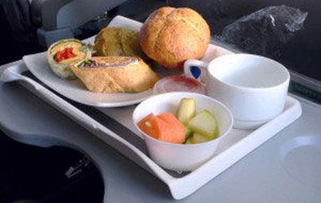 قبل از پرواز این غذاها را نخورید!