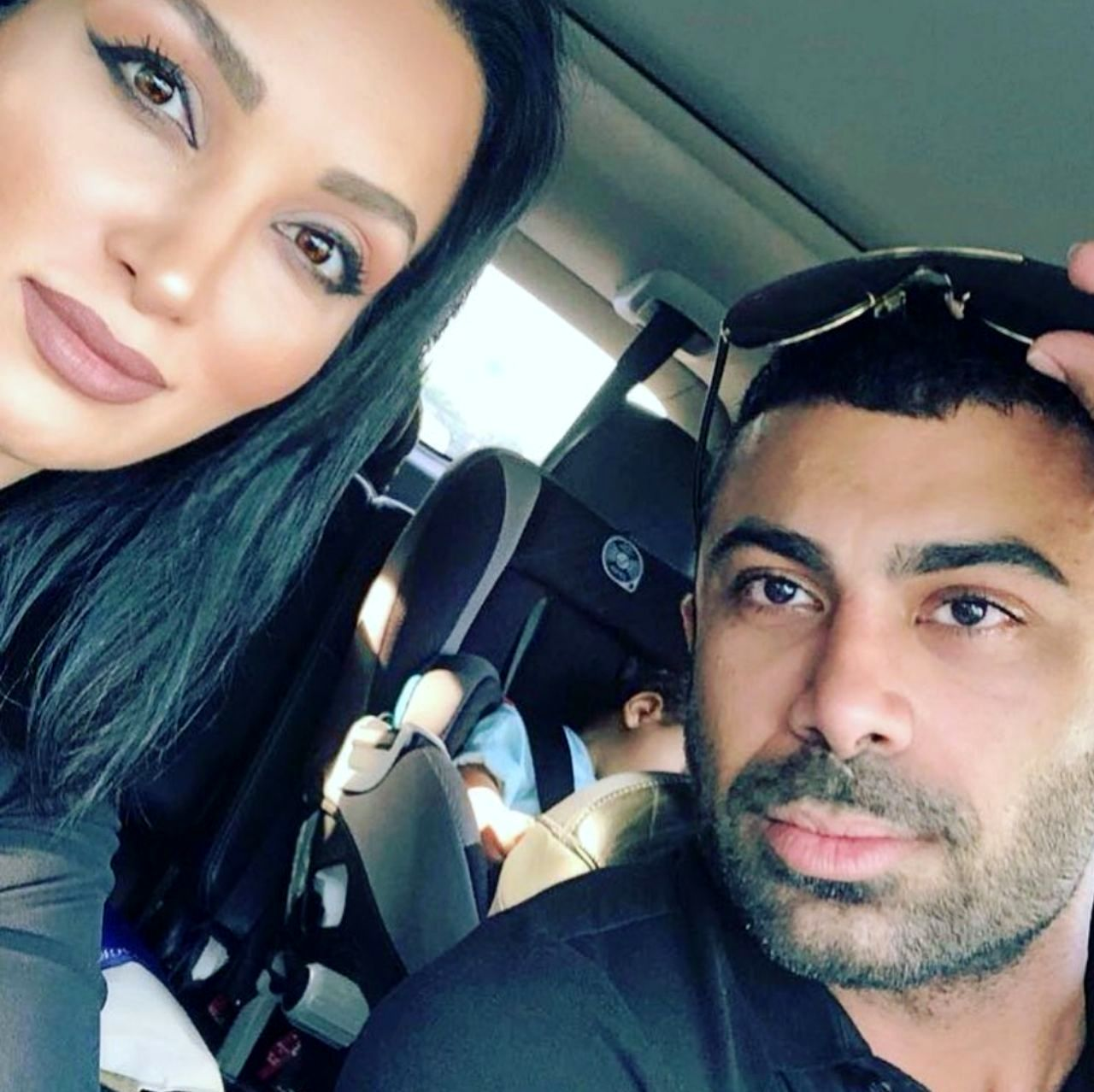 سلفی ماشینی روناک یونسی و همسرش | 24 آنلاین