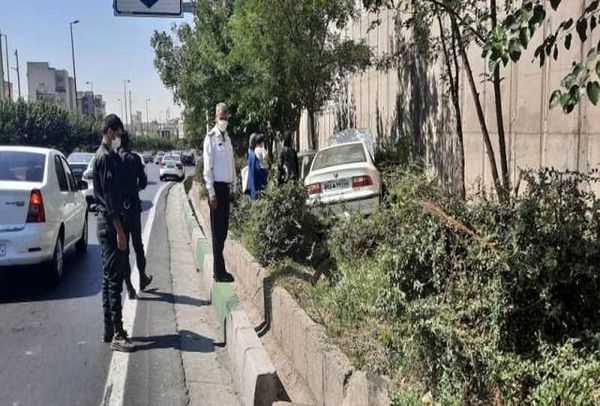 پرش و پرواز خودرو سمند در تهران+ عکس