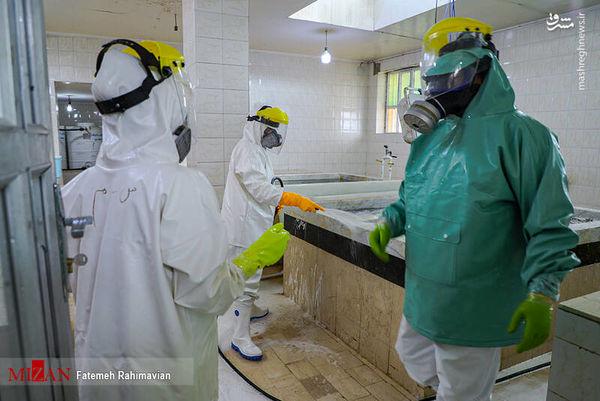 تصاویر دردناک از غسل و تدفین اموات کرونایی در اهواز