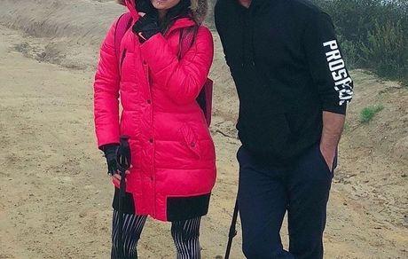 کوهنوردی آقای بازیگر با دخترش + عکس