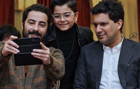 سلفی گرفتن حامد بهداد و نوید محمدزاده در یک مراسم + عکس