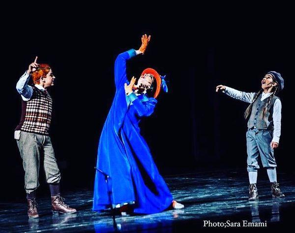 حرکات عجیب بهنوش طباطبایی سر صحنه تئاتر + عکس