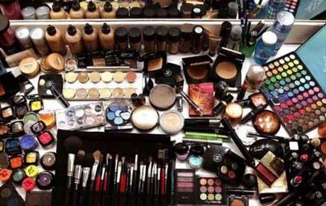 آمار تکان دهنده استفاده از لوازم آرایشی در ایران