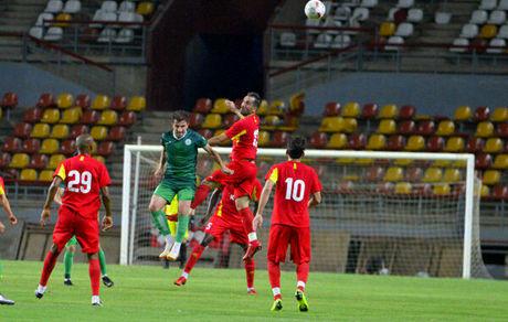 بازیکن کامرونی قید فولاد را زد