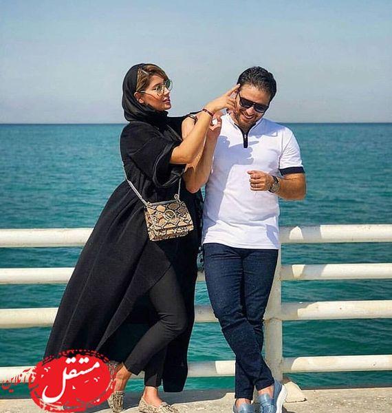 شوخی های آقای خواننده و همسرش لب دریا +عکس