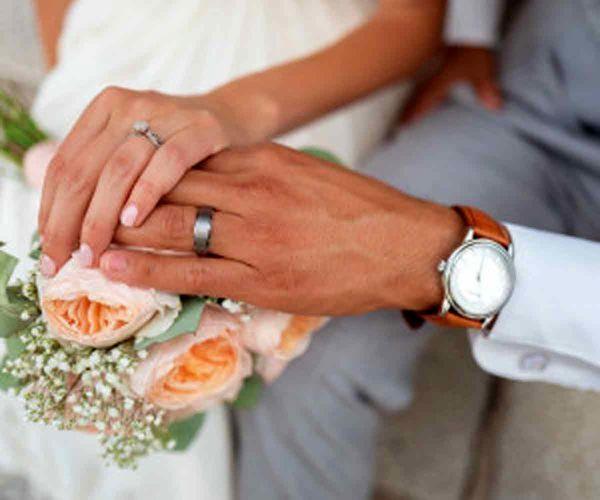 ازدواج این پسر خوش تیپ با دختر نیم متری !