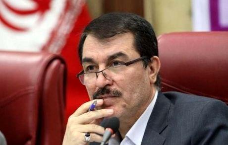 احمدی نژاد و کسانی که او را تأیید کردند جزء فتنه هستند